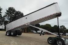 2005 Mac Trailer Mfg 40' FRAMELESS