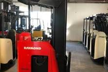 Used Electric Narrow Aisle Single Reach Trucks from Eliftruck