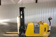 2018 Yale Pallet Stackers MCW040-E