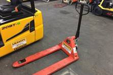 2013 Mighty Lift MANUAL PALLET JACK