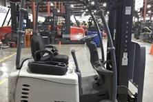 28 Electric 3 Wheel Sit Down Forklifts In Stock And Ready For From Eliftruck