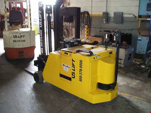 Electric Yale MCW040 Electric Walkie Pallet Jack
